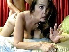 Kinky mature babe enjoys a hard fucking