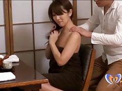 Massage va trop loin pour milf japonais