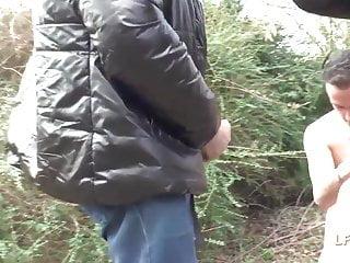 Gangbang Amateur French video: Rouquine francaise defoncee dans une orgie en pleine nature