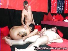 Velvet Swingers Club couples amateurs cum action