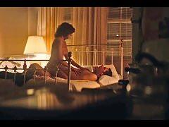 Alison Brie escena de sexo desnuda en la serie GLOW ScandalPlanet.Com