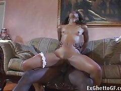 Black Girl baise une bite monstre