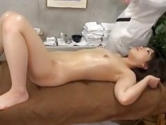 Japoński masaż lesbijski 1