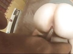 Phat Ass White Girl che prende doggystyle nero del dick