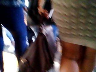 Voyeur Big Ass Milf video: Milf en vestido