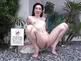 Sexy Aria pee time