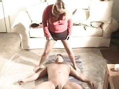 Paní otravující otrokyně
