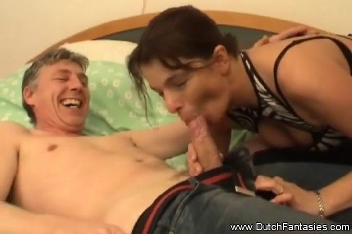 Девушка мастурбирует под струей смотреть онлайн