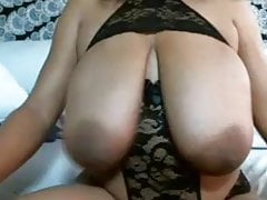Saggy Black Große Brüste