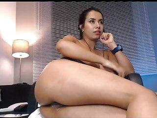 Amateur porno: Beautiful brunette