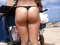 belles queues sur la plage