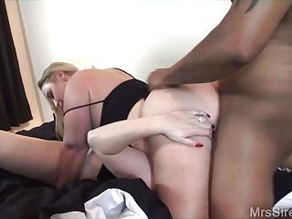 Threesomes Bbc Big Butts video: Slutwives Sharing BBC