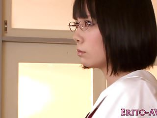 Nippon女學生在學校性交和jizzed