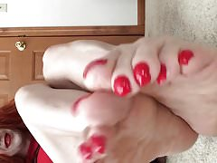 xhamster.com 3147188 shayna s long red toenails 720p.mp4