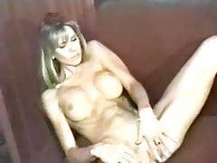 Cassidy Lace cieszy się ze swojego twardego ciała supermodelki