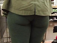 Juicy Jiggly GILF Ass en Medias