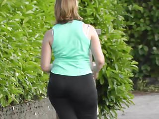 Voyeur Big Ass video: Same sportiv girl big ass running
