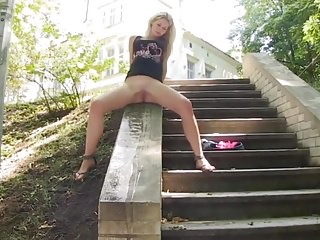blonde piss in outdoors