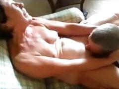 Sexy Milf und ihr Orgasmus