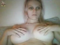 Chatroulette Yankee Stud Offers His Wifey Masturbating