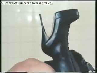German Blowjob xxx: retro latex