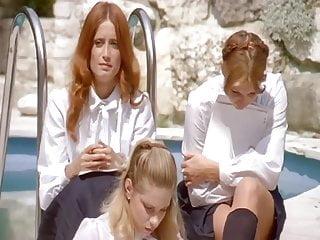 Hardcore Vintage Teen video: Les Petite Ecolieres Eng-Dub - 1980