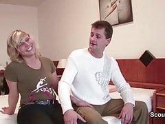 Mamma e papà tedeschi in prima serata film porno per soldi