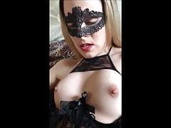 orgazm, maska i bielizna