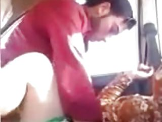 Arab Indian Big Butts vid: AMATEUTR INDIAN GIRL HAVING SEX IN THE CAR