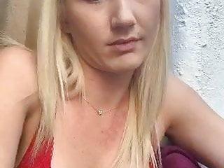 .Blonde webcam girl (non nude).