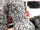 Sexy Latina twerking her juicy cakes