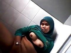 Hijab Pamer Memek