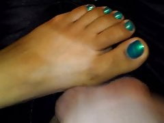 FOOTJOB WITH CUM ON TOES Z MEGO RICANA WIFEY
