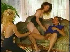 Ona Zee, Melanie Monroe und Tom Byron - Pussy essen