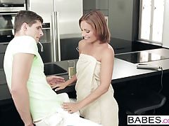 Babes - Step Mom Lessons - Kristof Cale i Nataly Gold i