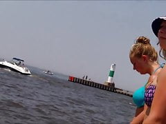 Penny del bottino del Michigan del culo di estremità assente del bikini della spiaggia