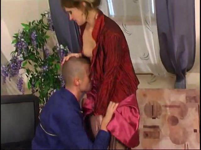 Секс видео жена села на лицо