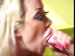 Hot Busty Pamela Peaks Smoking Sex