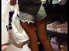 Pantalones cortos de mezclilla gruesos voyeur adolescente sincero lindo