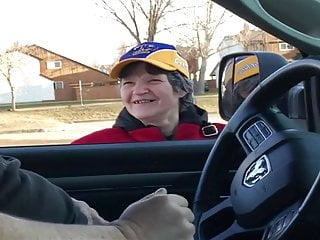 汽車閃光老女孩不能停止凝視2ends觸摸