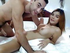 Una coppia amatoriale scopa in cam