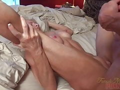 Mandy Foxx - Fucking. Sání. Squirting. Je to dobrý den.