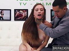 teen da Whorelando fa sesso ruvido su casting brutale