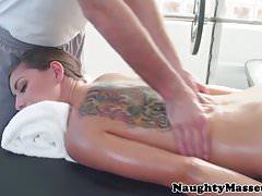 Amateure spritzen Massage vor dem Ficken