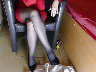 Femdom High Heels Pantyhose video: AWESOME LEGS IN PANTYHOSE - DOMINA MASTURBATING COMESHOT