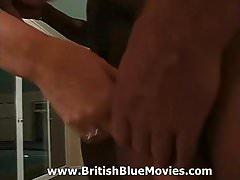 Dona de casa britânica gang bang