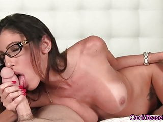 Spex beauty edging her lover while sucking
