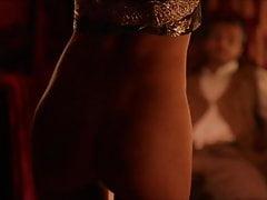 La danzatrice del ventre dalla pelle scura non ha fondo