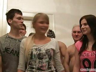 女朋友和她的妹妹搞砸了捷克幫派