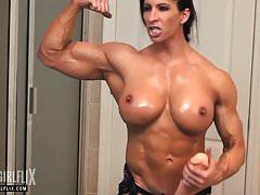 Riesige Bodybuilderin Massiver Hahn